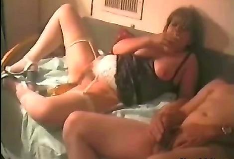 мастурбация зрелых женщин на скрытую камеру смотреть